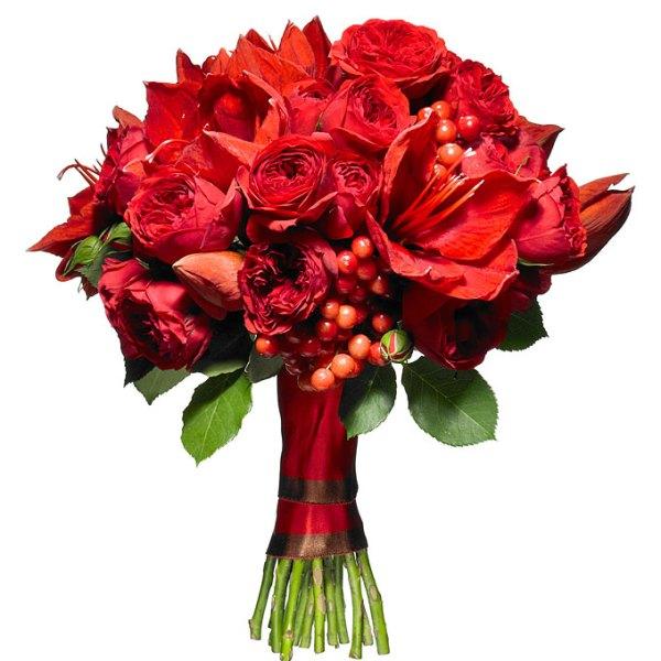 christmas-wedding-color-scheme-red-and-white-wedding-quatrecoeur-rose-bouquet