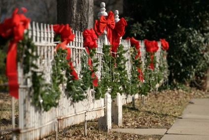 christmas-wedding-fence
