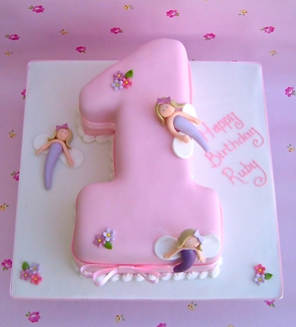 Aug-Cakes-003-926x1024