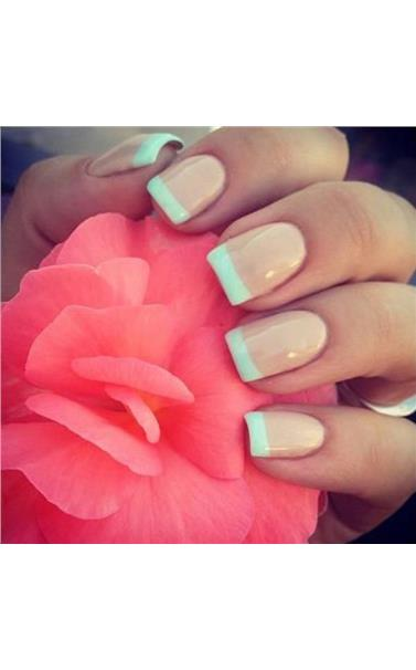 22127384_23_French_Manicure_for_Spring.limghandler