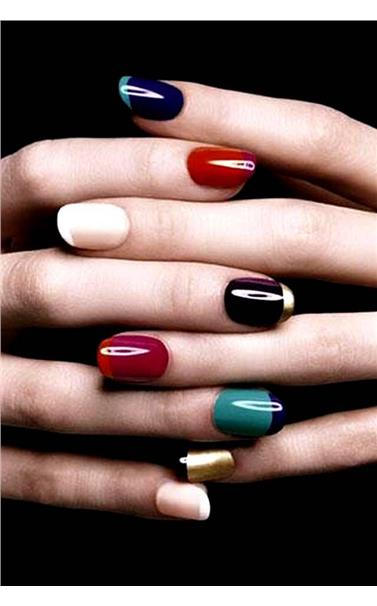 22127389_36_Colored_French_Manicure.limghandler