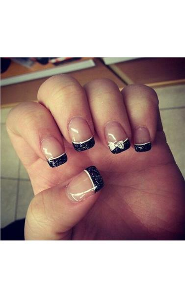 22127390_50_Bow_French_Manicure.limghandler