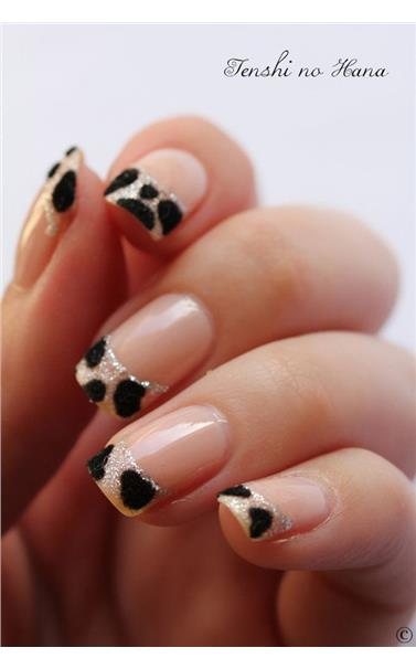 22127393_37_nude_and_black_animal_print_nails.limghandler