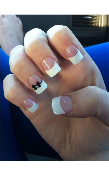 22127406_18_Bow_French_Manicure.limghandler