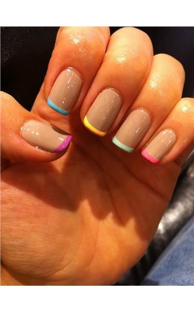 22127407_28_French_Manicure.limghandler