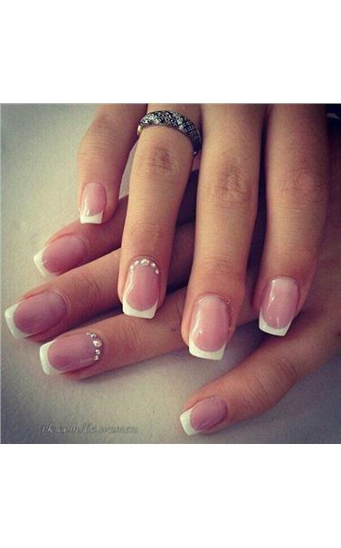 22127415_40_French_Manicure.limghandler
