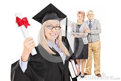 απόφοιτος-φοιτητής-θη-υκών-και-οι-υπερήφανοι-γονείς-της-38947242