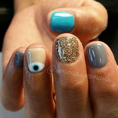 gray-nails-500x500