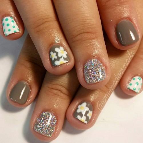 gray-nails-9-500x500
