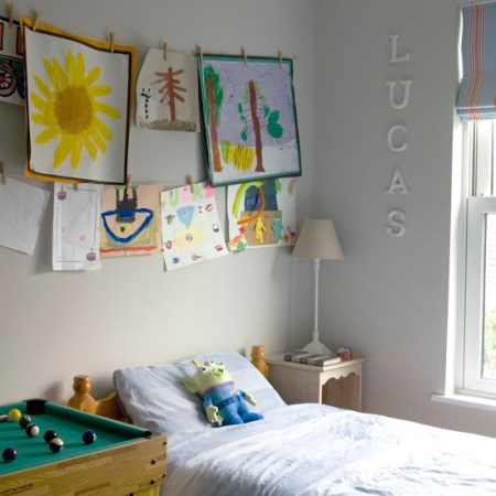 childs-room---budget-design-ideas---hanging-childs-paintings---Ideal-Home