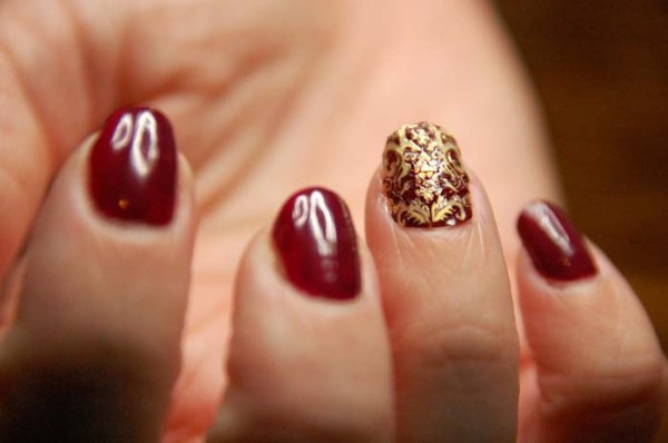 xristougenniatika-manikiour-se-burgundy-apoxrwseis-18