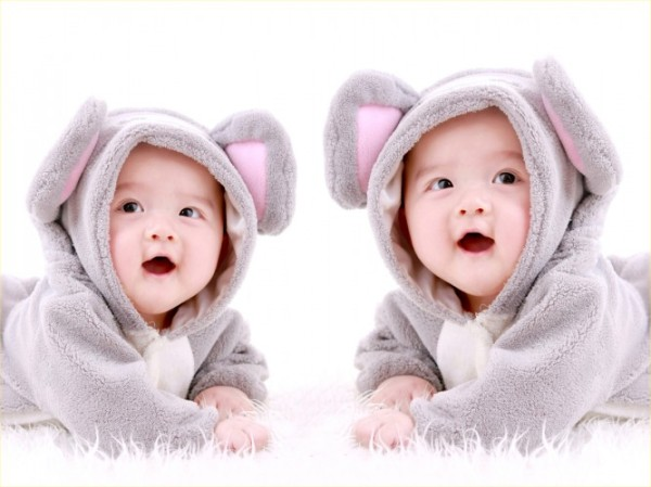 cute-baby-pictures-twins-twin-babies-in-bunny-costume-667x500