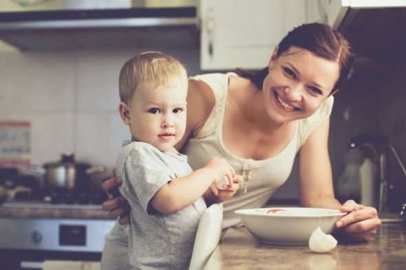 toddler-and-mom-cooking_2