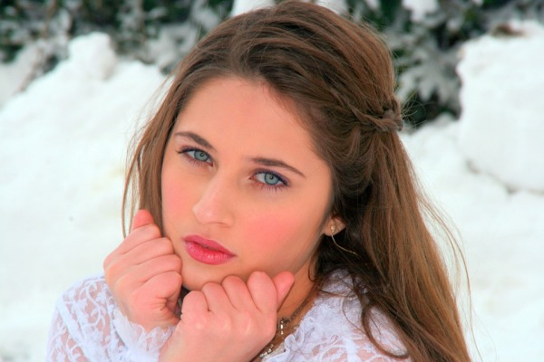 girl-1152375_960_720